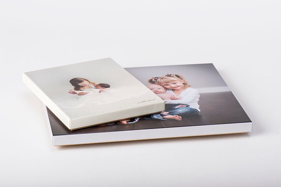 AsukaBook Art Layflat Photo Book Box comes with designable top printed on white or ivory art paper