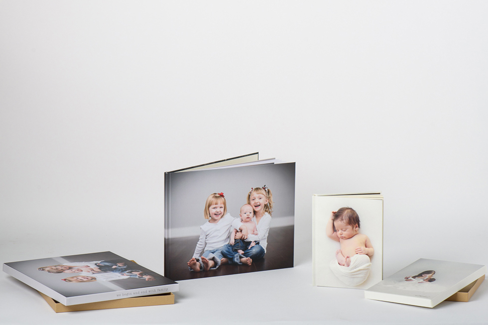AsukaBook Art Layflat Photo Book Ivory and White paper options