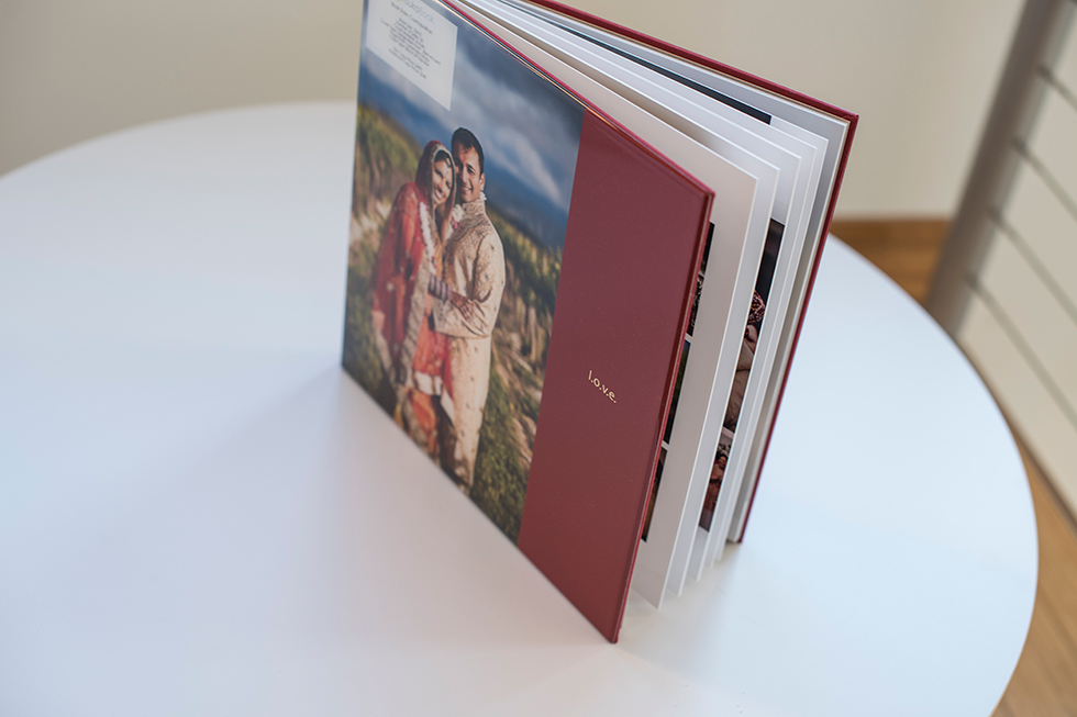AsukaBook Cosmopolitan Photo Album with red cover showing the thin board pages