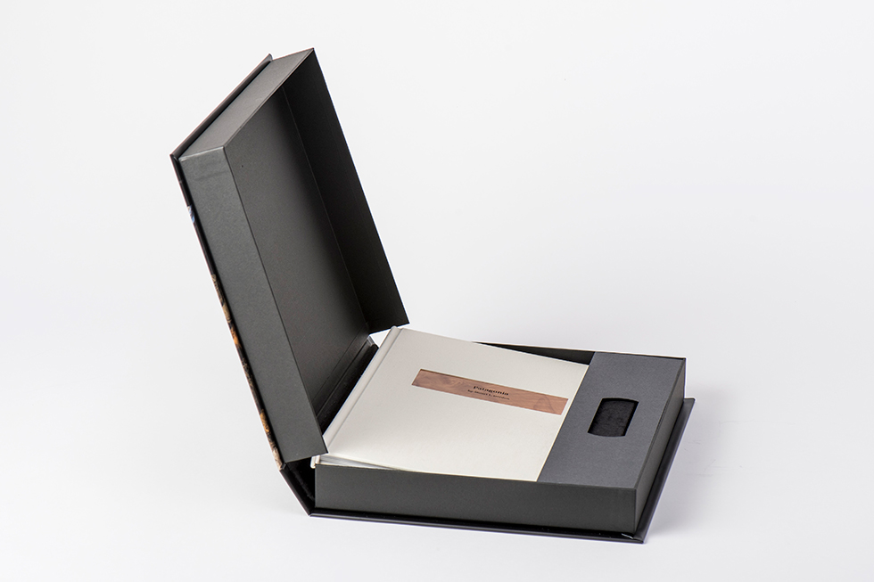 AsukaBook Zen Layflat Impact X Photo Book with Cream linen cover inside presentation box with USB holder